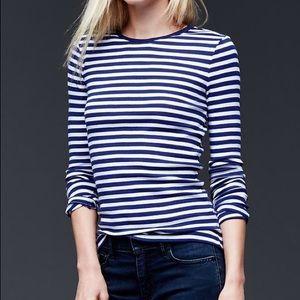 NWT GAP Stripe Modern Long Sleeve Tee. Size Small